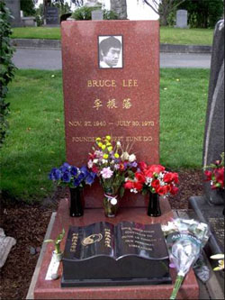 Pierre tombale de Bruce Lee