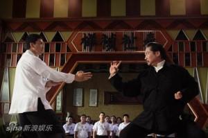 Ip Man (Donnie Yen, a gauche) contre Hung Chun Nam (Sammo Hung, a droite), l'une des scenes les plus spectaculaires du film, si ce n'est la plus spectaculaire